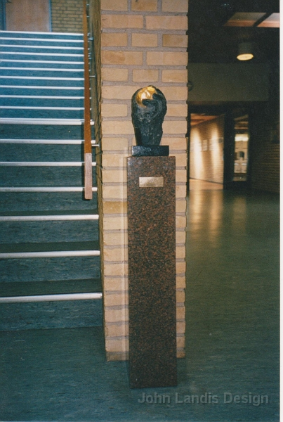Skulptur på Frederikssund Gymnasium