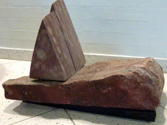 stenskulptur-i-tre-dele